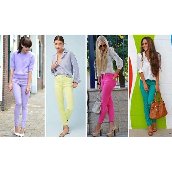 Цветните дънки са отново на мода, както през 90-те!
