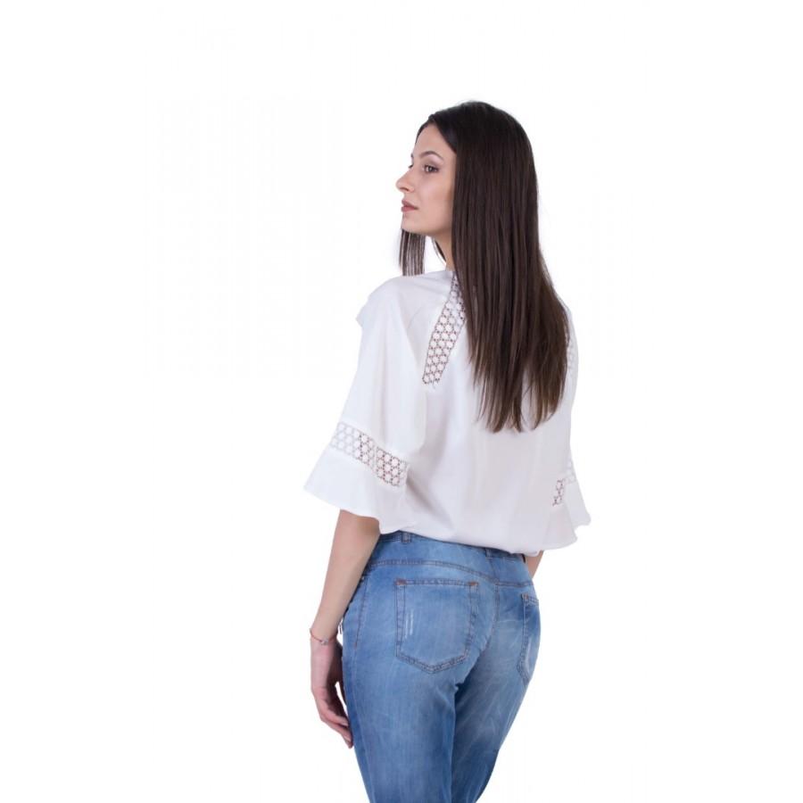 Бяла Дамска Блуза с Дантела B 20178 / 2020