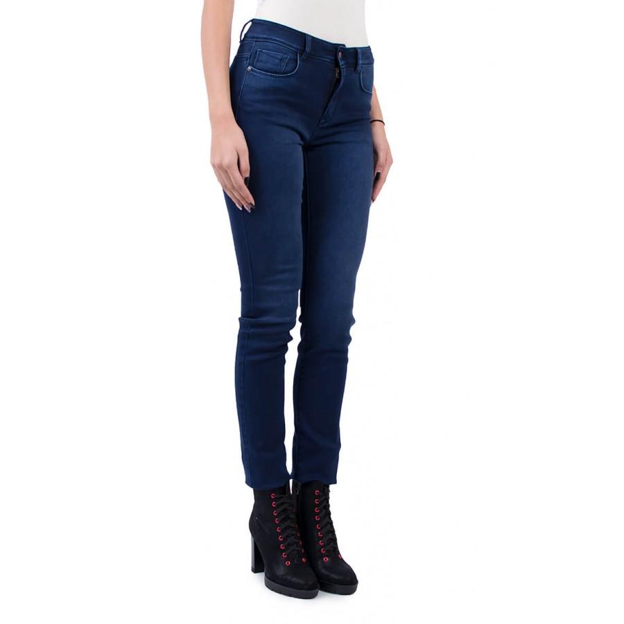 Ватиран дамски дънков панталон N 18575 BLUE / 2019