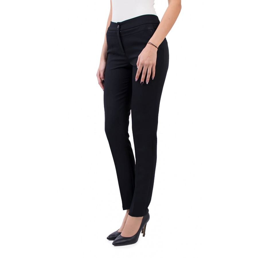 Дамски зимен черен панталон N 18601 / 2019