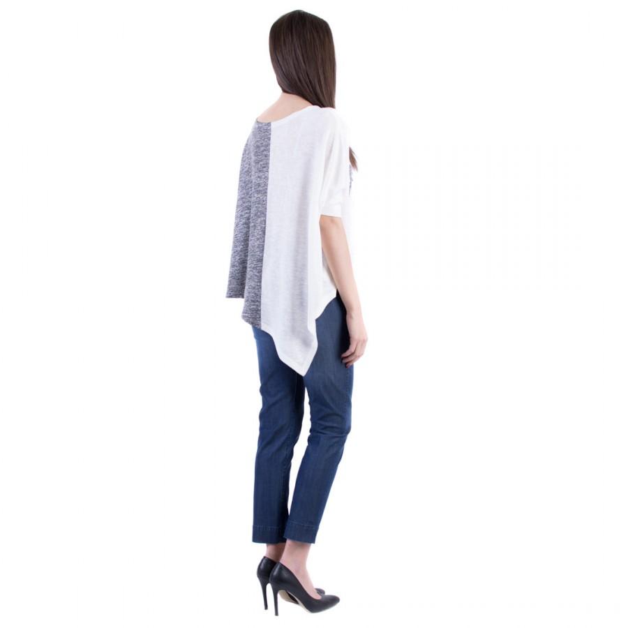 Комплект 17157-s3 монохромна асиметрична блуза 3/4 ръкав  и сини дънки 17146 с 9/10 дължина от тенсел деним  на топ цена