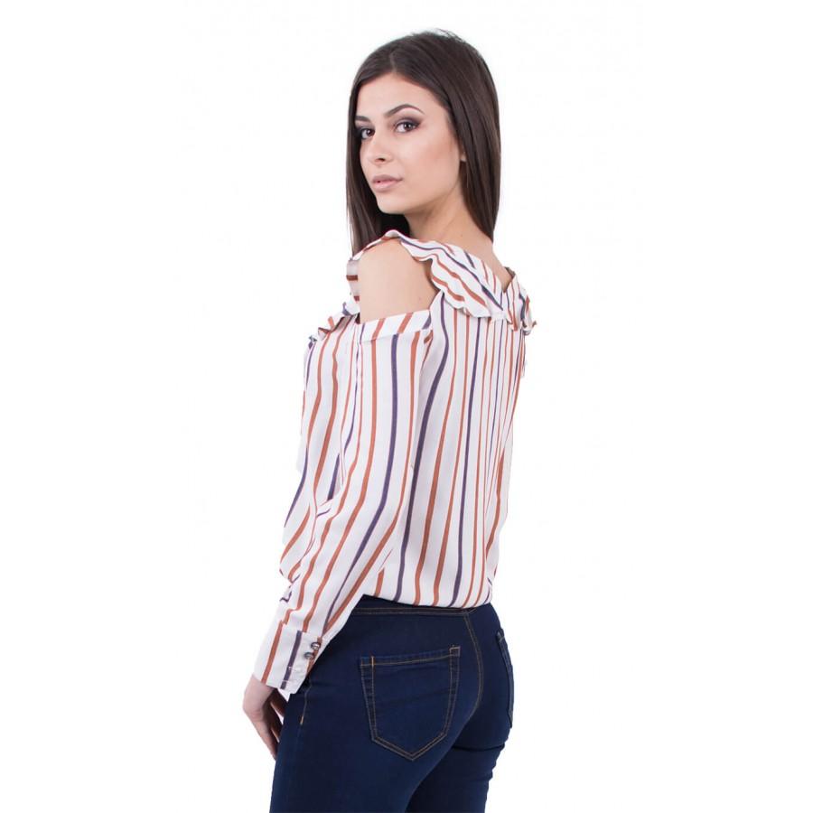 Дамска спортно елегантна блуза в екрю с шикозния си десен на ивици в тъмно синьо и охра  B 18122  на топ цена