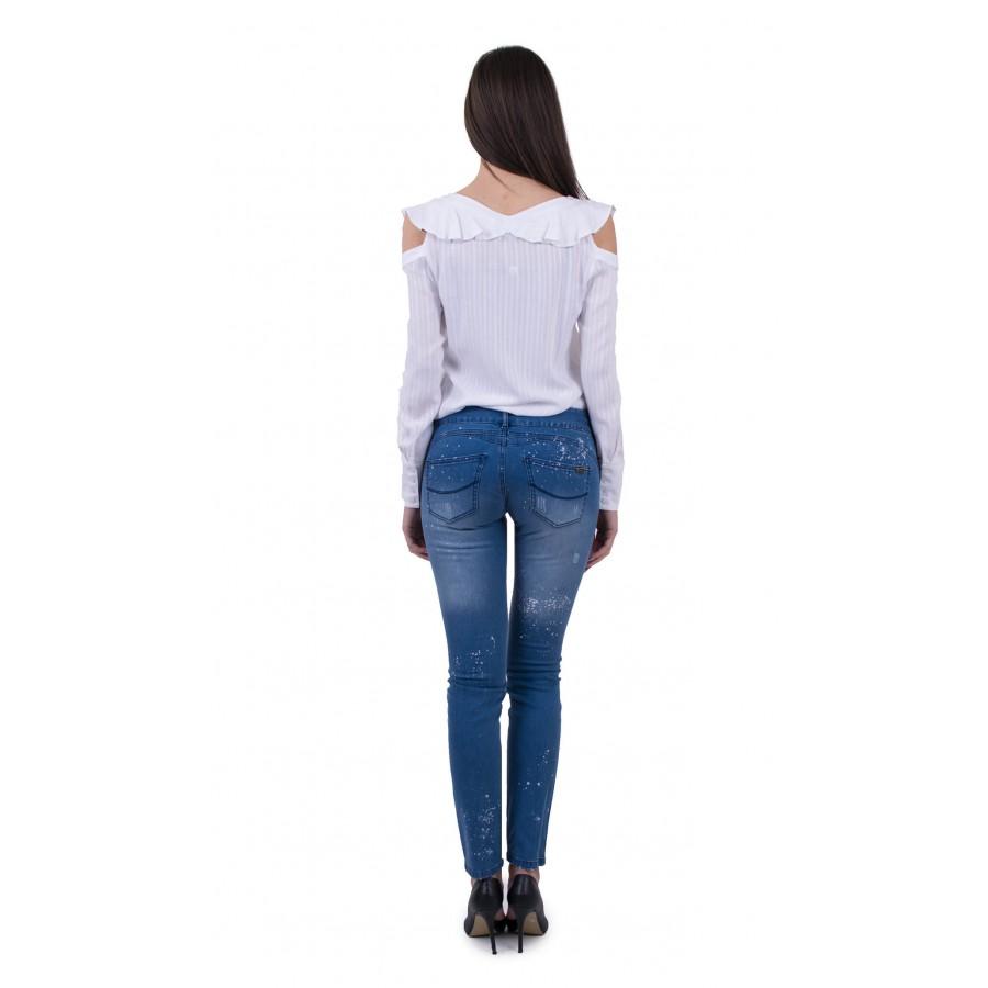 Комбо дамска бяла блуза и третирани дамски дънки  BN 18122 White - 18131  на топ цена