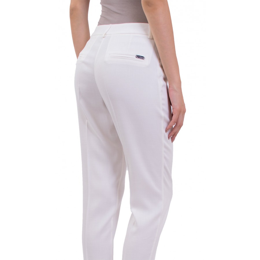 Бял дамски ленен панталон 9/10 N 18158 LEN