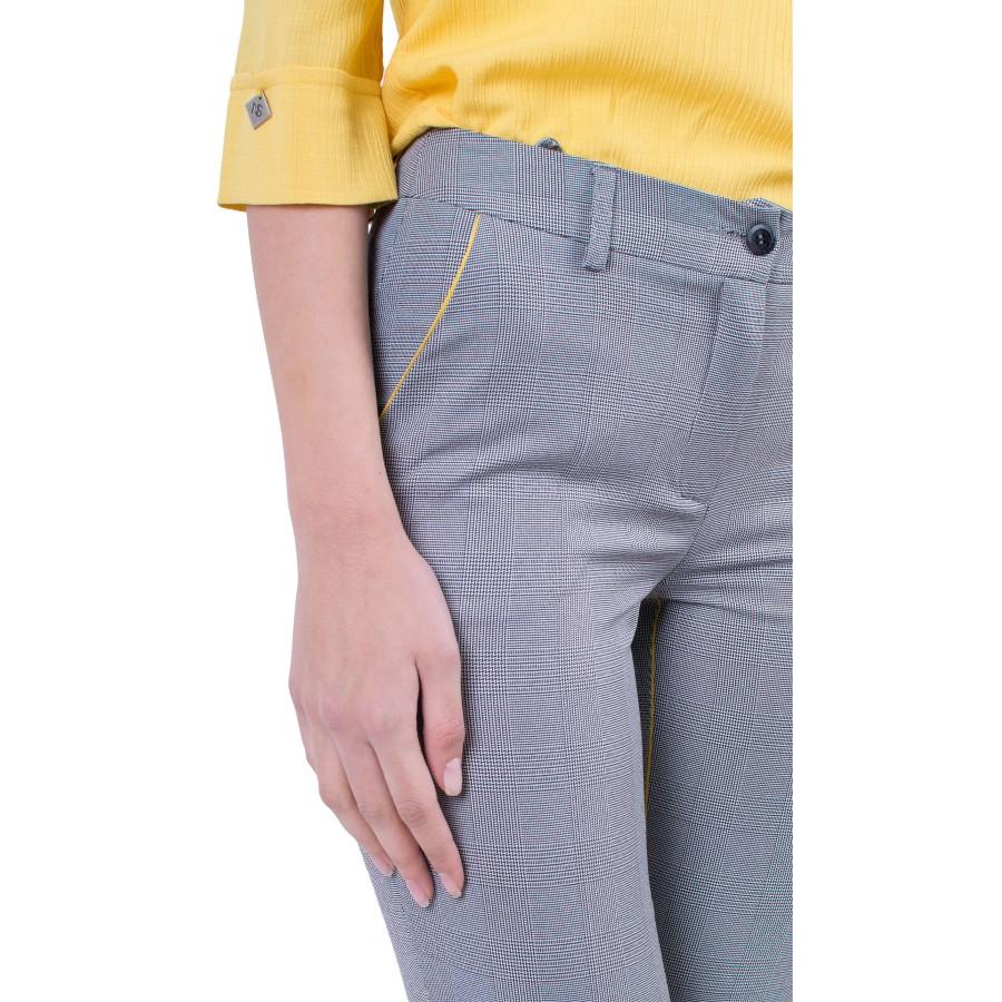 Дамски бизнес панталон сиво каре N 19219 / 2019