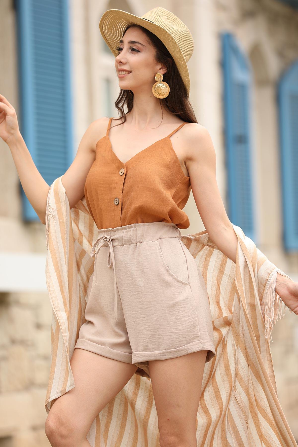 Комплект къси панталони и блуза в София